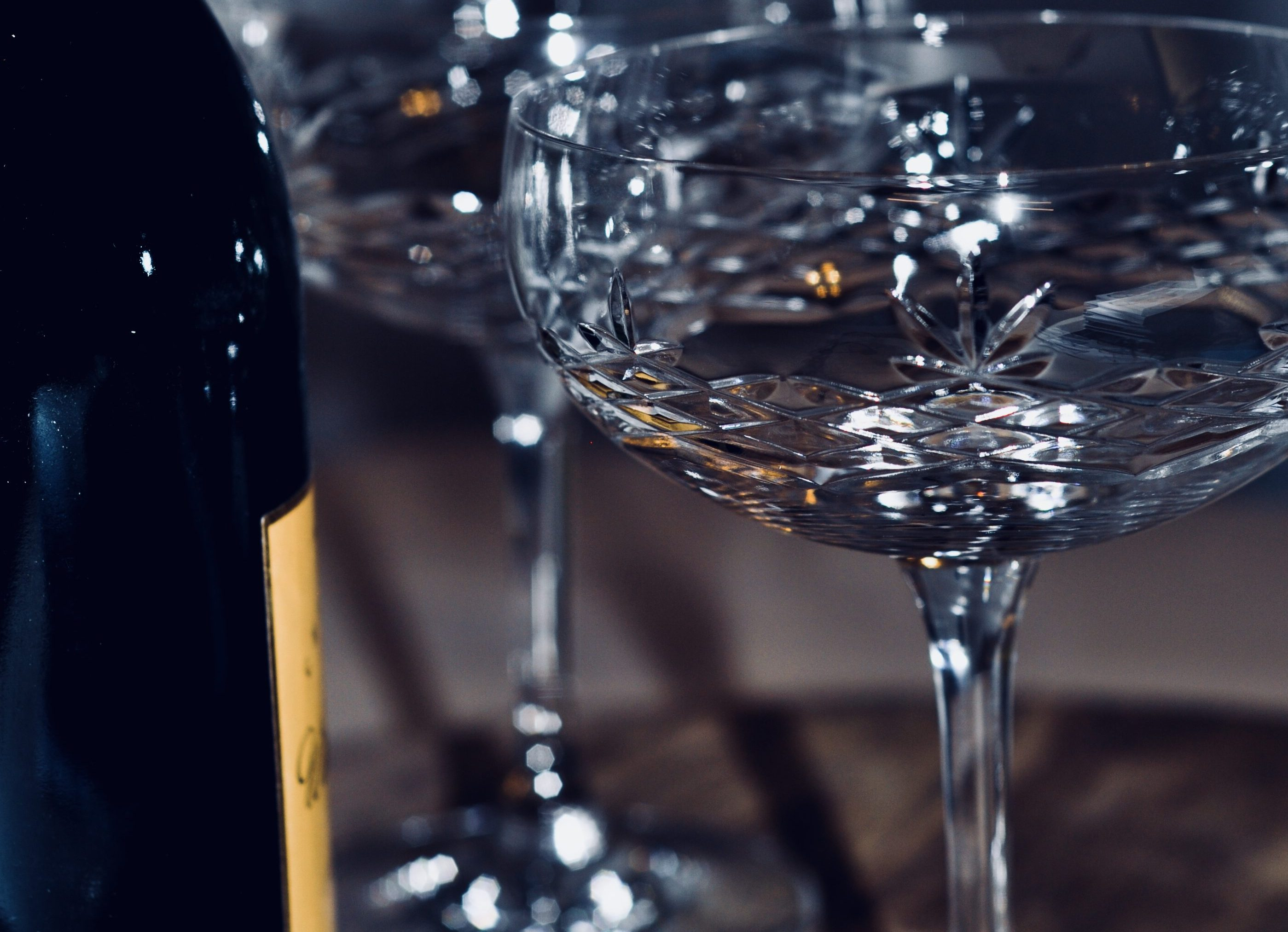 Crispy Gatsby Champagneglass i krystall fra glasserien Crispy fra Frederik Bagger. Glassene tar deg tilbake til det glade 20-tallet.