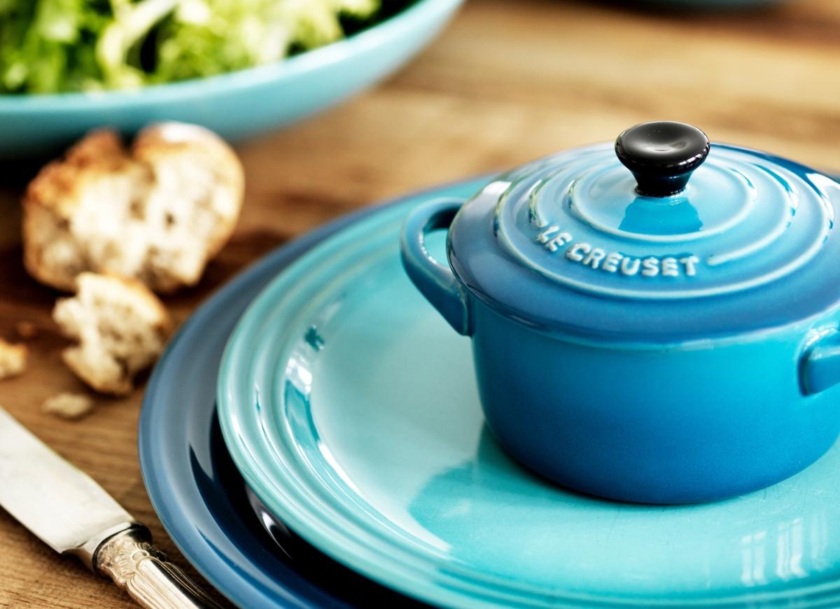 Le Creuset jerngryter i forskjellige størrelser i en vakker turkis farge.