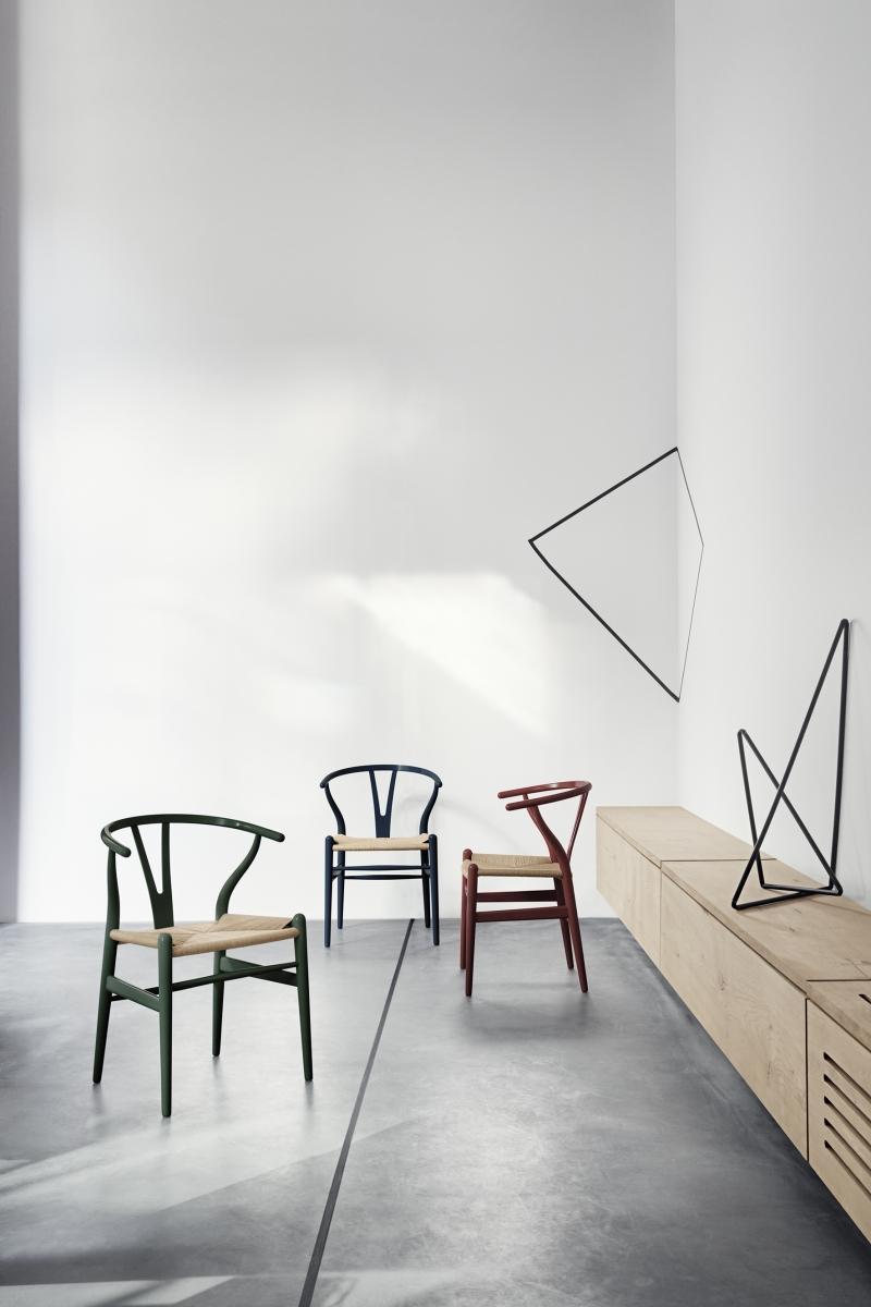 CH24 Y-stolen fra Carl Hansen & Søn i Limited Edition 110 år i forskjellige farger med naturflett sete