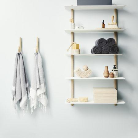 Miljøbilde av Nivo vegghylle i hvitt og eik fra Gejst