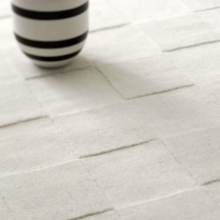 Miljøbilde av Luzern teppe i ull fra Linie Design i fargen White