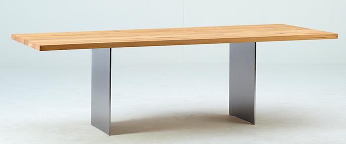 Spisebordet Dk3_3 fra danske DK3 i vill eik.