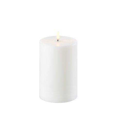 Batteridrevet stearinlys fra Uyuni Lighting i str 10x15